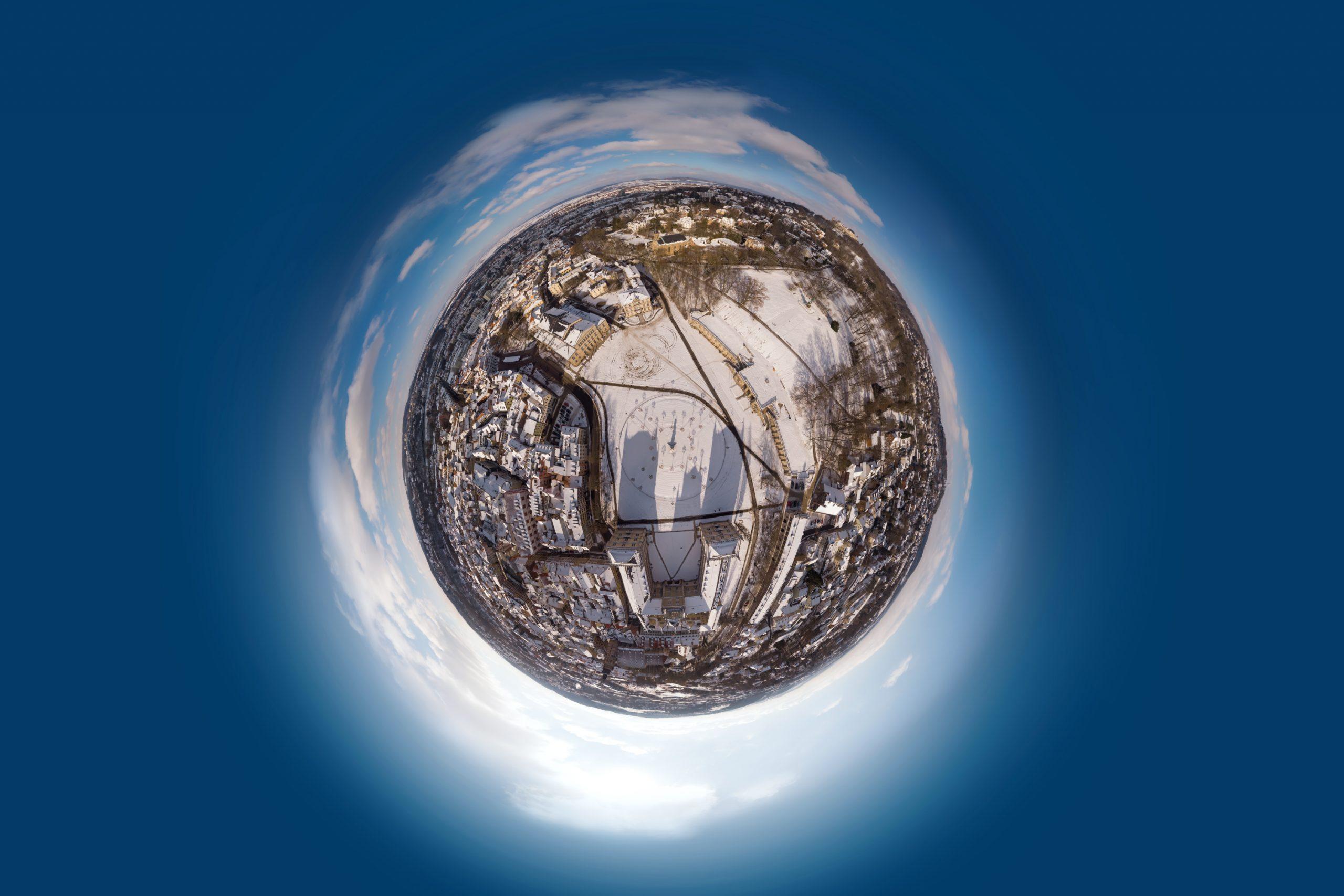 Little Planet Coburg Schloßplatz